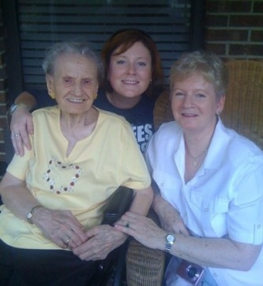 Gram and mom in NC - 2009