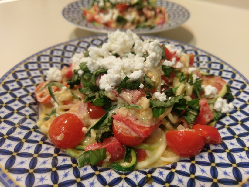 Zasta with tomatoes and goat cheese   The Half-Crunchy Mama